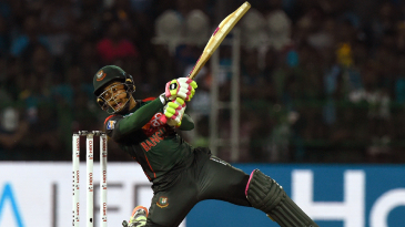 Mushfiqur Rahim clobbers one after dropping on one knee
