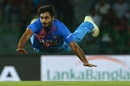 Vijay Shankar attempts a run out, Bangladesh v India, 5th match, Nidahas Twenty20 Tri-Series, Colombo, March 14, 2018
