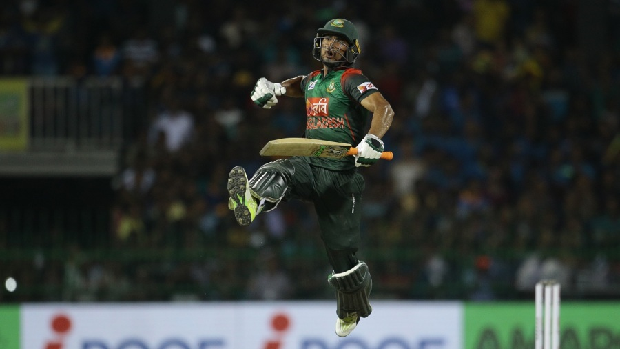 Mahmudullah pumps the air after sealing Bangladesh's win