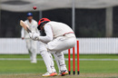 Andrew Ellis ducks under a ball, Canterbury v Auckland, Plunket Shield 2017-18, Rangiora, 1st day, March 17, 2018
