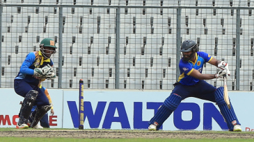 Hanuma Vihari plays a late cut