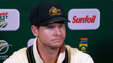 Steven Smith admits to ball-tampering