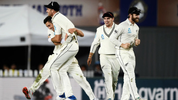 Trent Boult dismissed Joe Root off the final ball of the fourth day