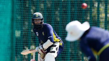 Hashim Amla takes throwdowns
