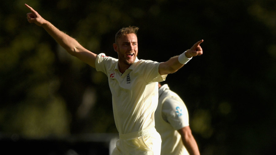 Stuart Broad broke the sixth-wicket stand late in the day