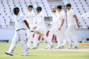 Nathan Lyon walks into the outfield after dismissing Vernon Philander, South Africa v Australia, 4th Test, 2nd day, Johannesburg, March 31, 2018