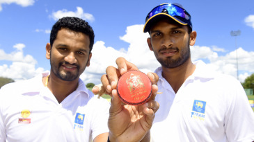 Captains Dimuth Karunaratne and Dasun Shanaka show the pink ball