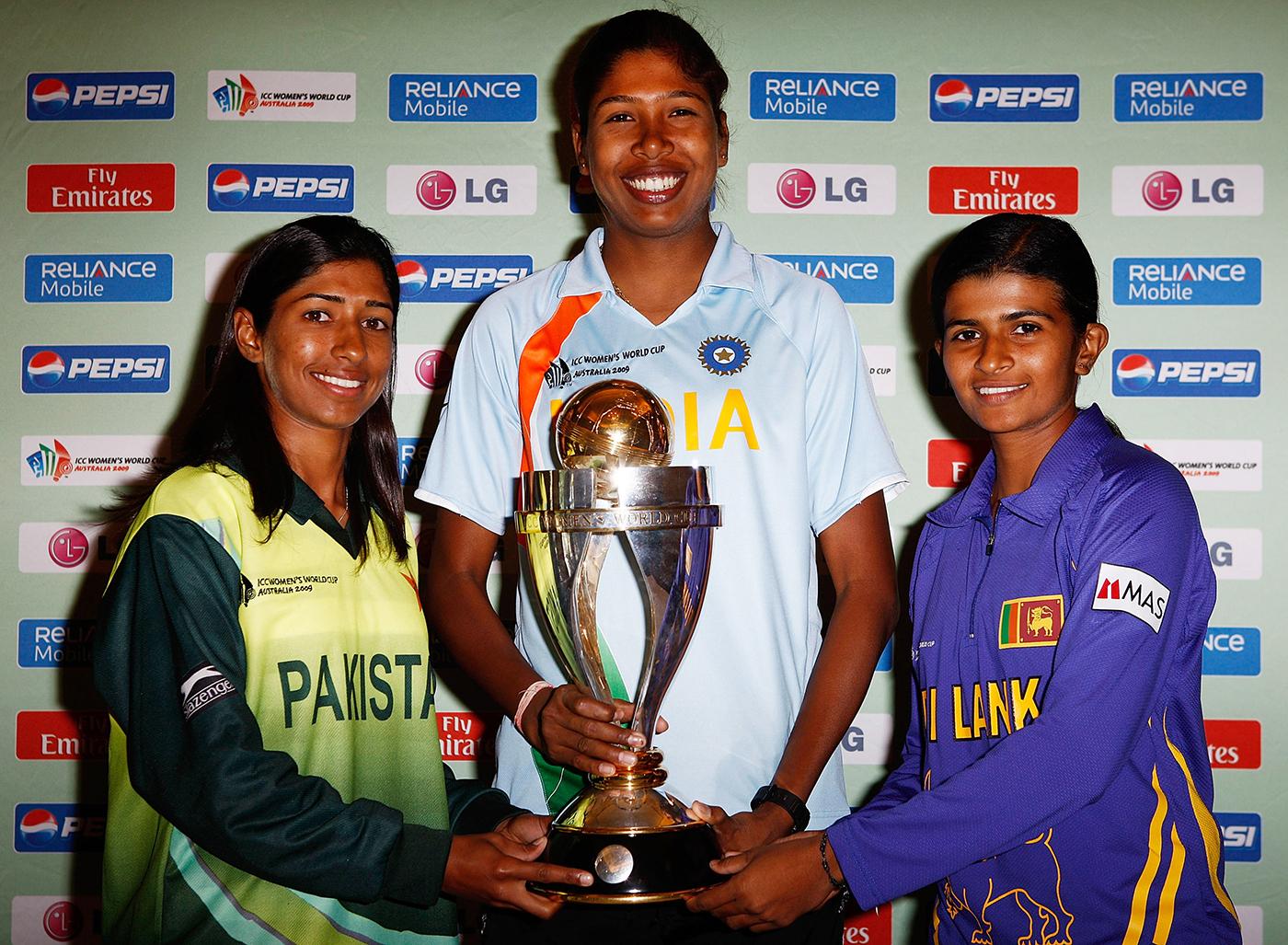 Urooj Mumtaz, Jhulan Goswami and Sri Lanka's Shashikala Siriwardene with the 2009 World Cup