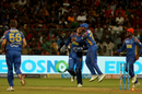 Rajasthan Royals celebrate a wicket, Royal Challengers Bangalore v Rajasthan Royals, IPL 2018, Bengaluru, April 15, 2018