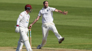Ryan Sidebottom in action for Warwickshire