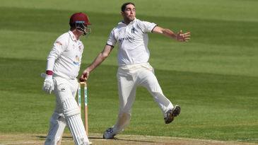 Ryan Sidebottom in action for Warwickshire