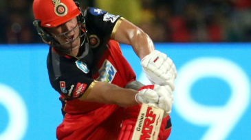 AB de Villiers gets down to scoop over short fine leg
