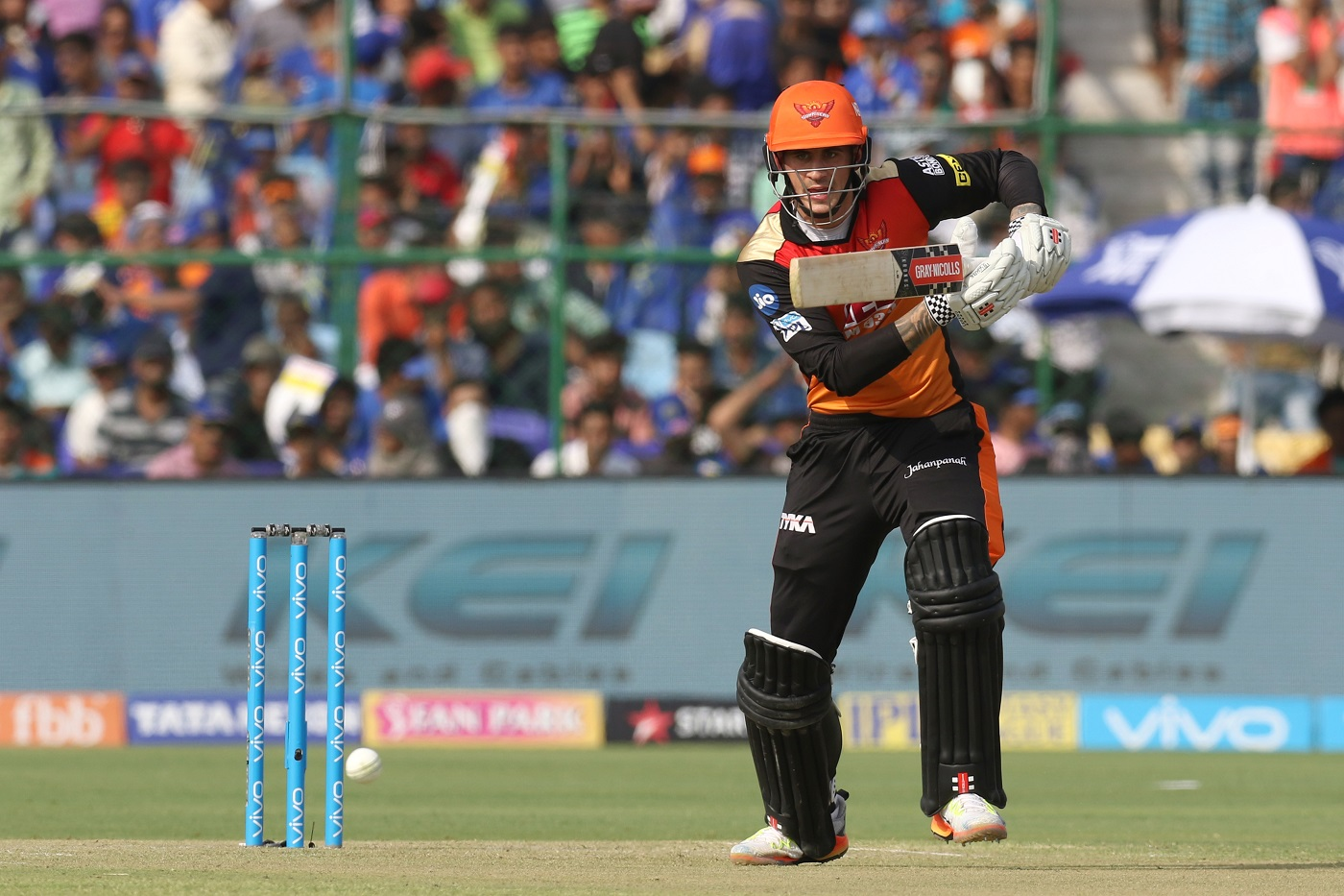 Williamson and sunrisers bowling unit win another thriller