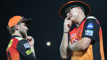Kane Williamson and Tom Moody have a chat