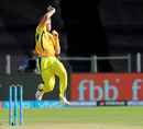 David Willey loads up, Chennai Super Kings v Royal Challengers Bangalore, IPL 2018, Pune, May 5, 2018
