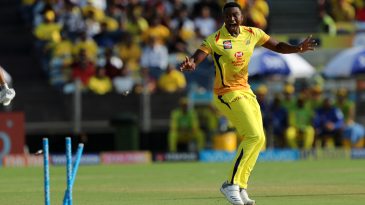 Lungi Ngidi celebrates a run out