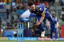 Mitchell McClenaghan bends his back, Mumbai Indians v Kolkata Knight Riders, IPL 2018, Mumbai, May 6, 2018