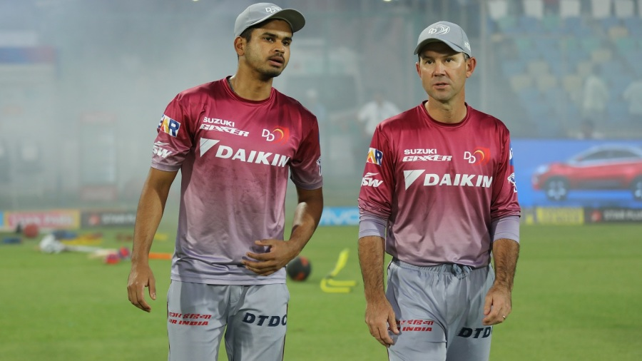 Shreyas Iyer and Ricky Ponting have a chat