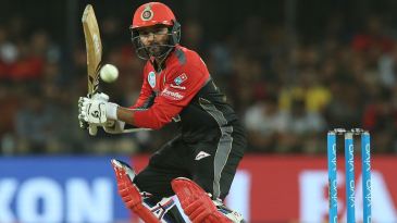 Parthiv Patel steers one towards third man