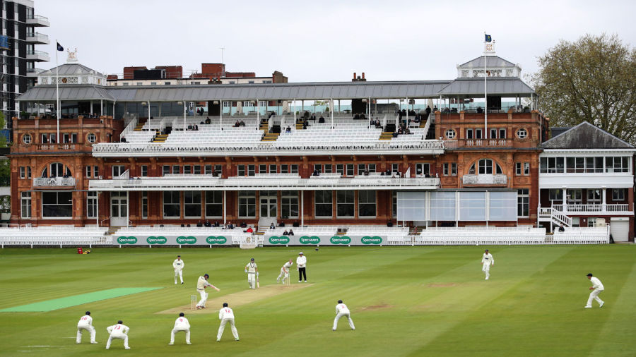 Middlesex found it tough going on their return to Division Two