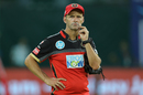 Gary Kirsten spends some time by himself, Kings XI Punjab v Royal Challengers Bangalore, IPL 2018, Indore, May 14, 2018