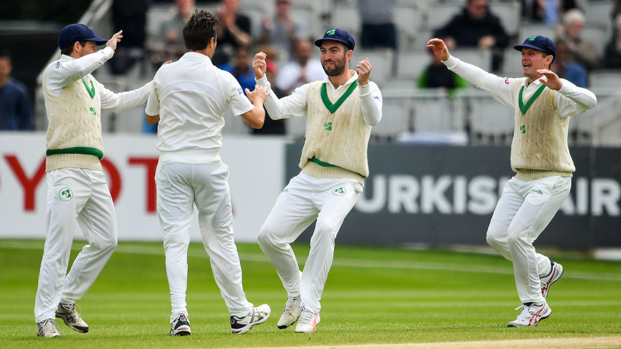 Tim Murtagh claimed the key scalp of Azhar Ali in his first over