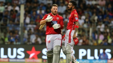 Aaron Finch and KL Rahul have a chat between overs