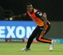 Carlos Brathwaite shapes to throw a ball, Sunrisers Hyderabad v Kolkata Knight Riders, IPL 2018, Hyderabad, May 19, 2018