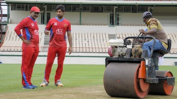 Lalchand Rajput has a chat with Afghanistan captain Asghar Stanikzai