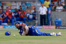 Rohit Sharma clutches his shoulder after a fielding effort, Delhi Daredevils v Mumbai Indians, IPL 2018, Delhi, May 20, 2018
