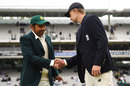 Joe Root gets a handshake from Sarfraz Ahmed at the toss, England v Pakistan, 1st Test, Lord's, 1st day, May 24, 2018