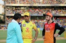 MS Dhoni and Kane Williamson at the toss, Chennai Super Kings v Sunrisers Hyderabad, IPL 2018 final, Mumbai, May 27, 2018