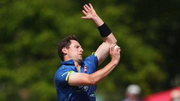 Matt Henry held his nerve in dramatic style