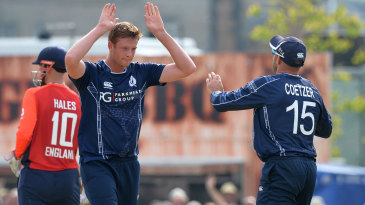 Alasdair Evans and kyle Coetzer combined to remove Eoin Morgan