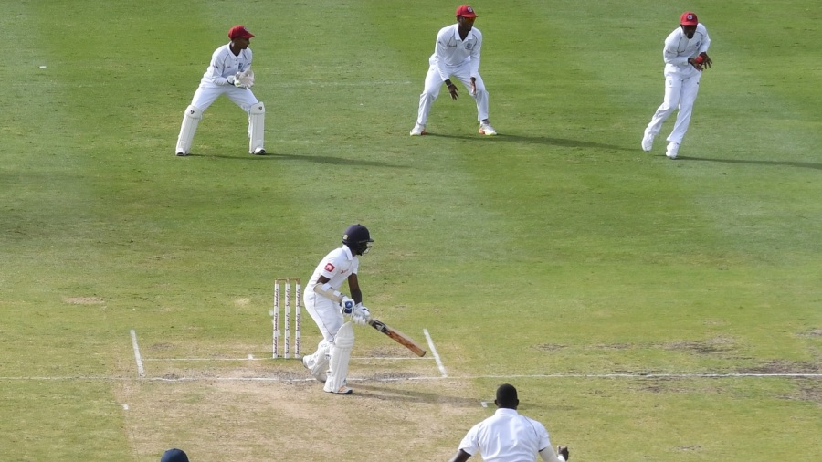 Niroshan Dickwella caught at second slip by Devon Smith