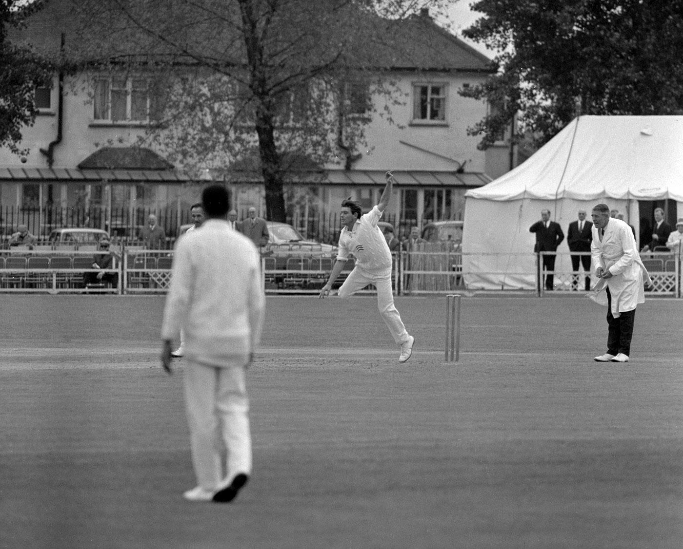 Robin Hobbs bowls against Glamorgan in Ilford