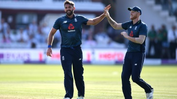 Liam Plunkett celebrates Hardik Pandya's wicket