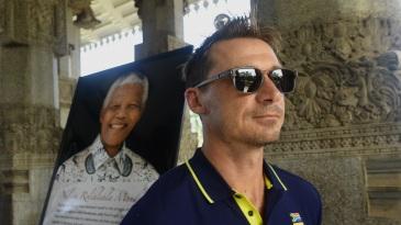 Dale Steyn in a ceremony to mark Nelson Mandela's 100th birth anniversary