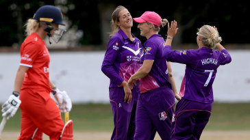 Jenny Gunn claims another scalp for Loughborough Lightning
