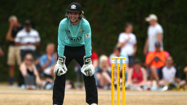 Sarah Taylor keeping wicket for Surrey Stars
