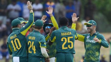 South Africa celebrate the wicket of Niroshan Dickwella