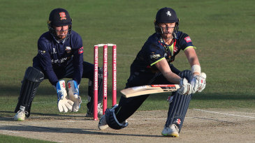 Sam Billings' half-century took Kent to a strong total