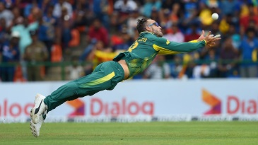 Faf du Plessis goes for a catch