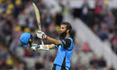 Moeen Ali acknowledges the ovation for his hundred, Worcestershire v Birmingham, Vitality Blast, North Group, Worcester