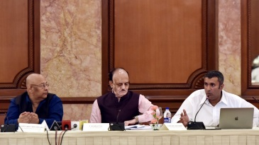 Anirudh Chaudhary addresses the media alongside Amitabh Choudhary (R) and CK Khanna (C)