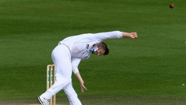 Lockie Ferguson bends his back