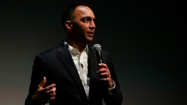 Paraag Marathe addresses the audience during a leadership dinner