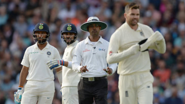 Kumar Dharmasena was not impressed by James Anderson's reaction