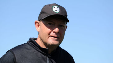 Kevin Sharp, Worcestershire's coach, has maintained stability in challenging times