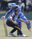 Mithali Raj collides with Chamari Atapattu, Sri Lanka women v India women, 2nd ODI, Galle, September 13, 2018